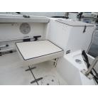 アフトデッキ右舷側後方に専用椅子が取り付け可能