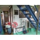 厨房に置いてあった荷物を左舷側に出してあります。